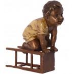 Dieťa na stoličke