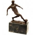 Bronzová socha-futbalista