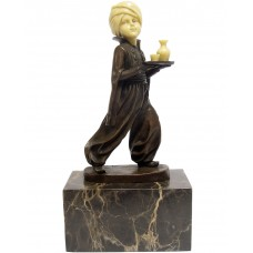 Bronzová socha - sluha
