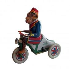 Opica na trojkolke